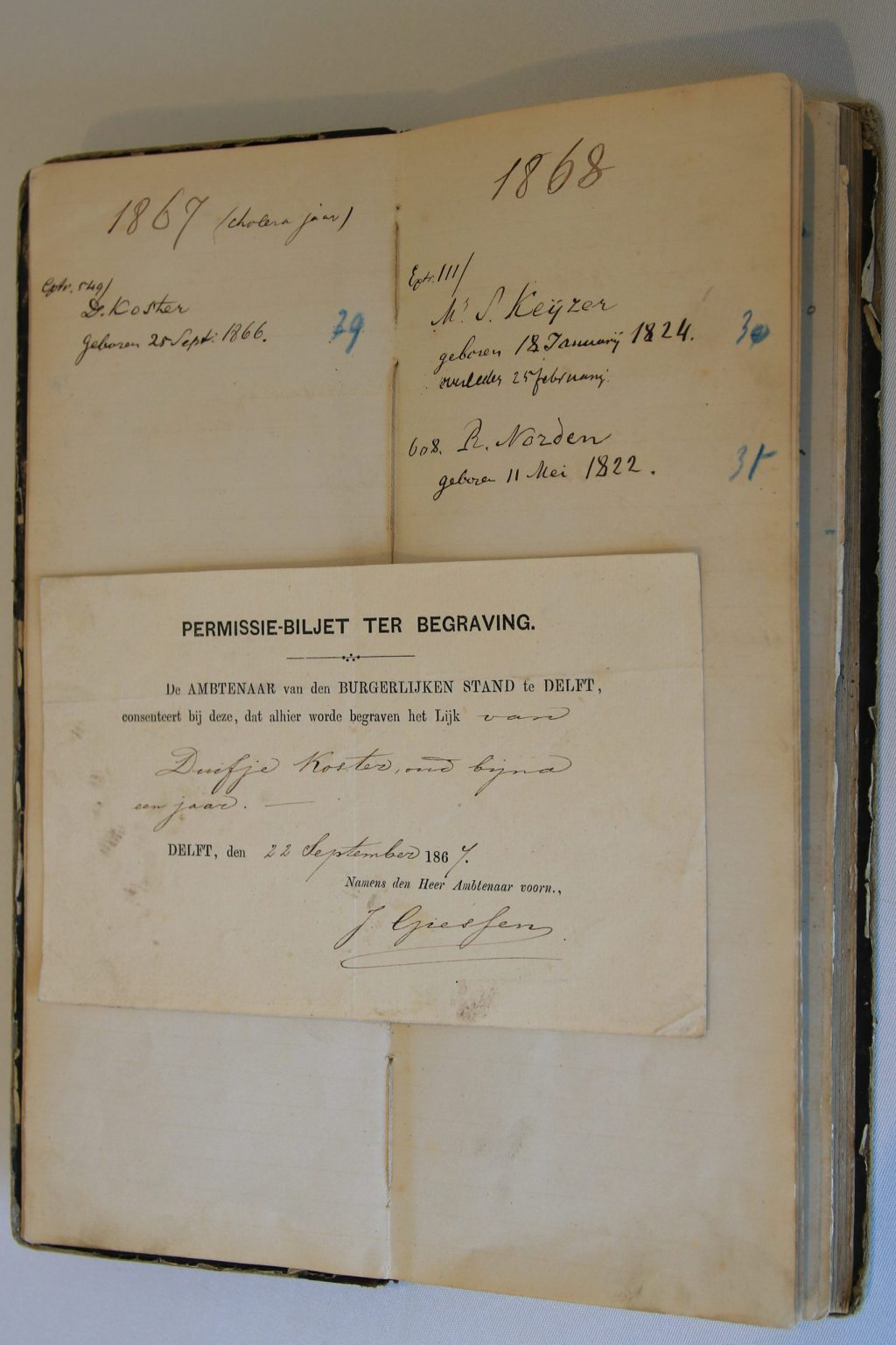 Begraafboek Joodse gemeente, 1860-1919 (Archief 458, inv.nrs 81 en 82)