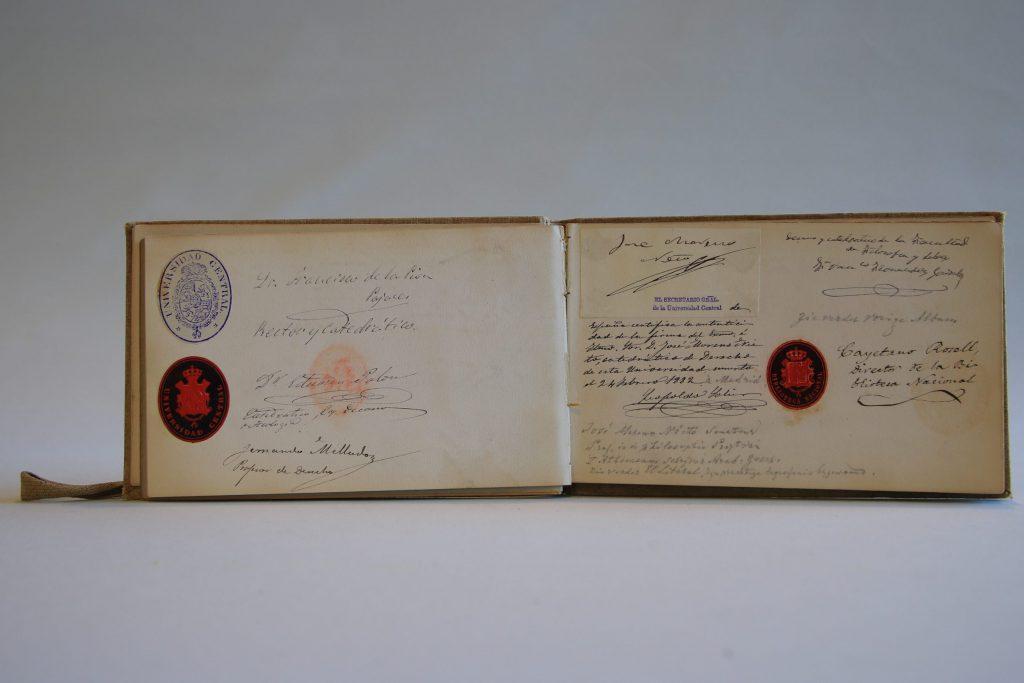 Handtekeningen, gedichten en tekeningen verzameld door Mienette Storm-van der Chijstijdens haarreis door Spanje en Portugal, 1881-1884 (Archief 598, inv.nr 569)