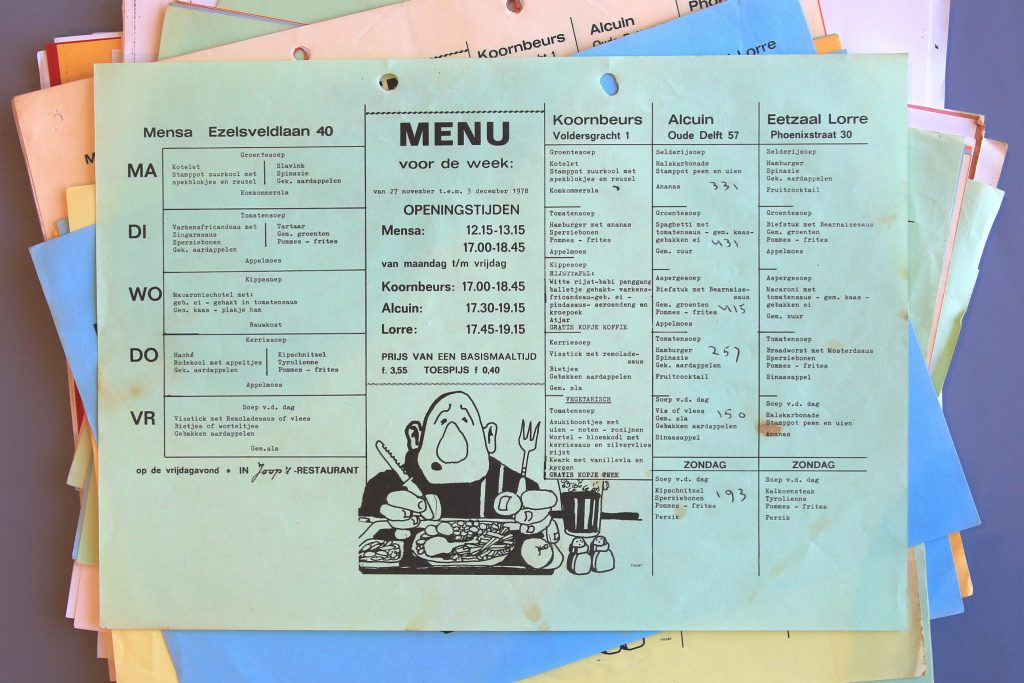 Menu's van de eettafel van Sociëteit Alcuin, 1976-2003 (Archief 353, inv.nr 142)