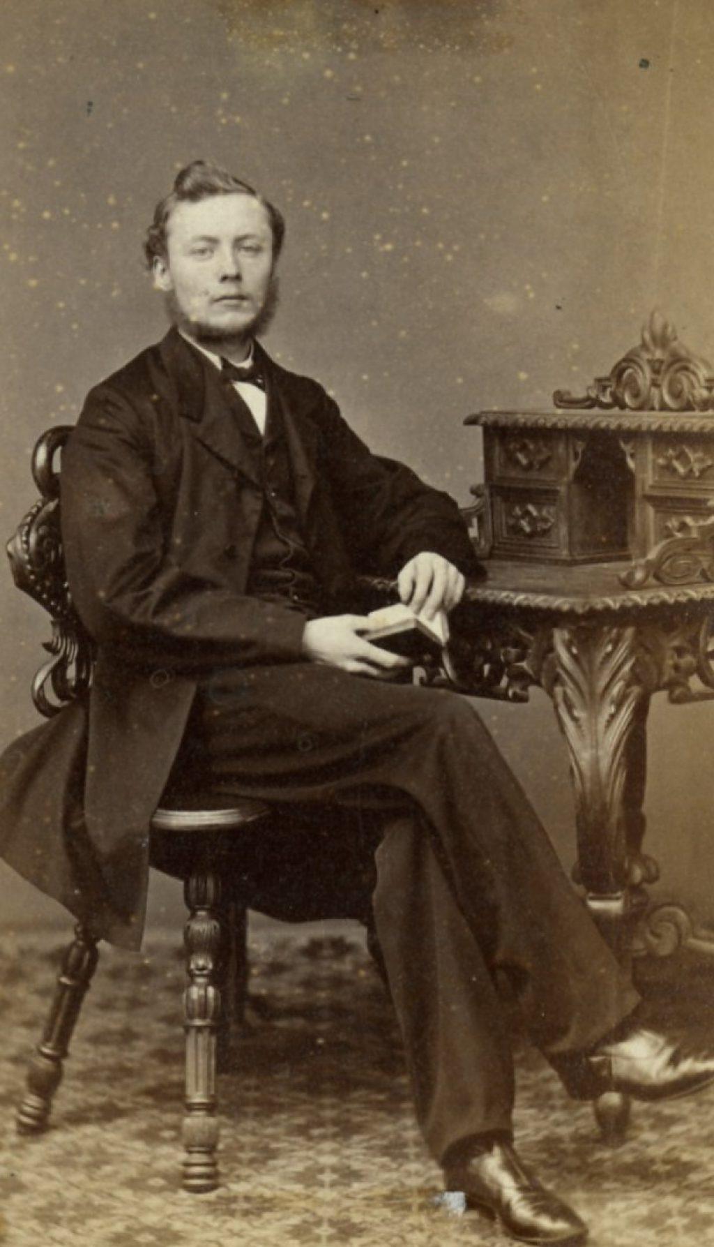 Hendrik van Steeden, student aan de Indische Instelling, 1865, foto Emma Kirchner (TMS 1936)