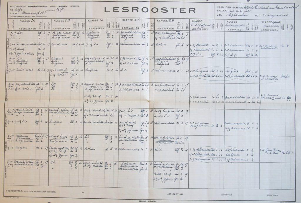 Lesrooster van Huishoudschool Rust Roest, schooljaar 1930-1931 (Archief 121, inv.nr 51)