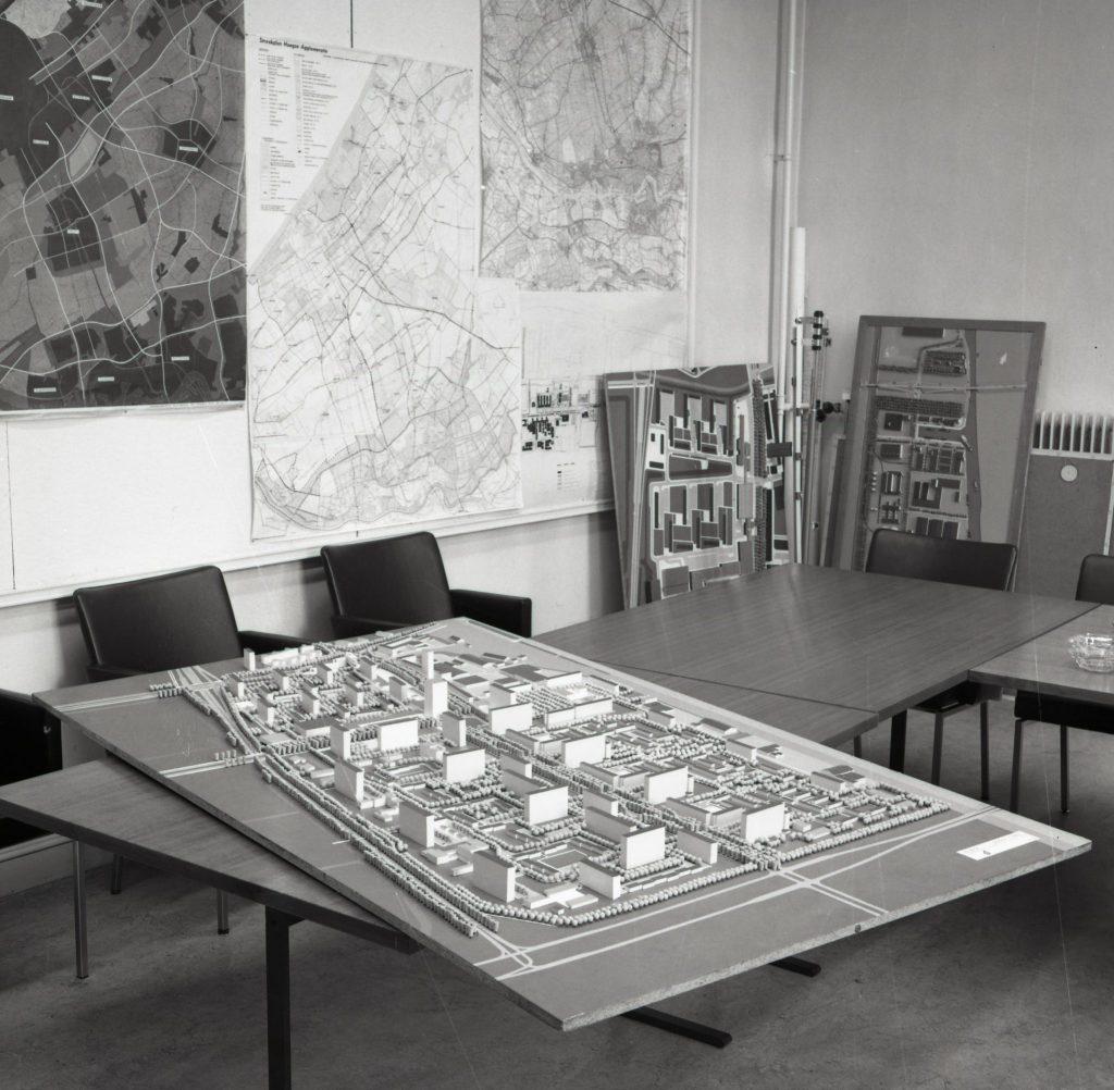 Maquette van bouwplannen voor Voorhof-Buitenhof, 25-6-1969 (TMS 135262)