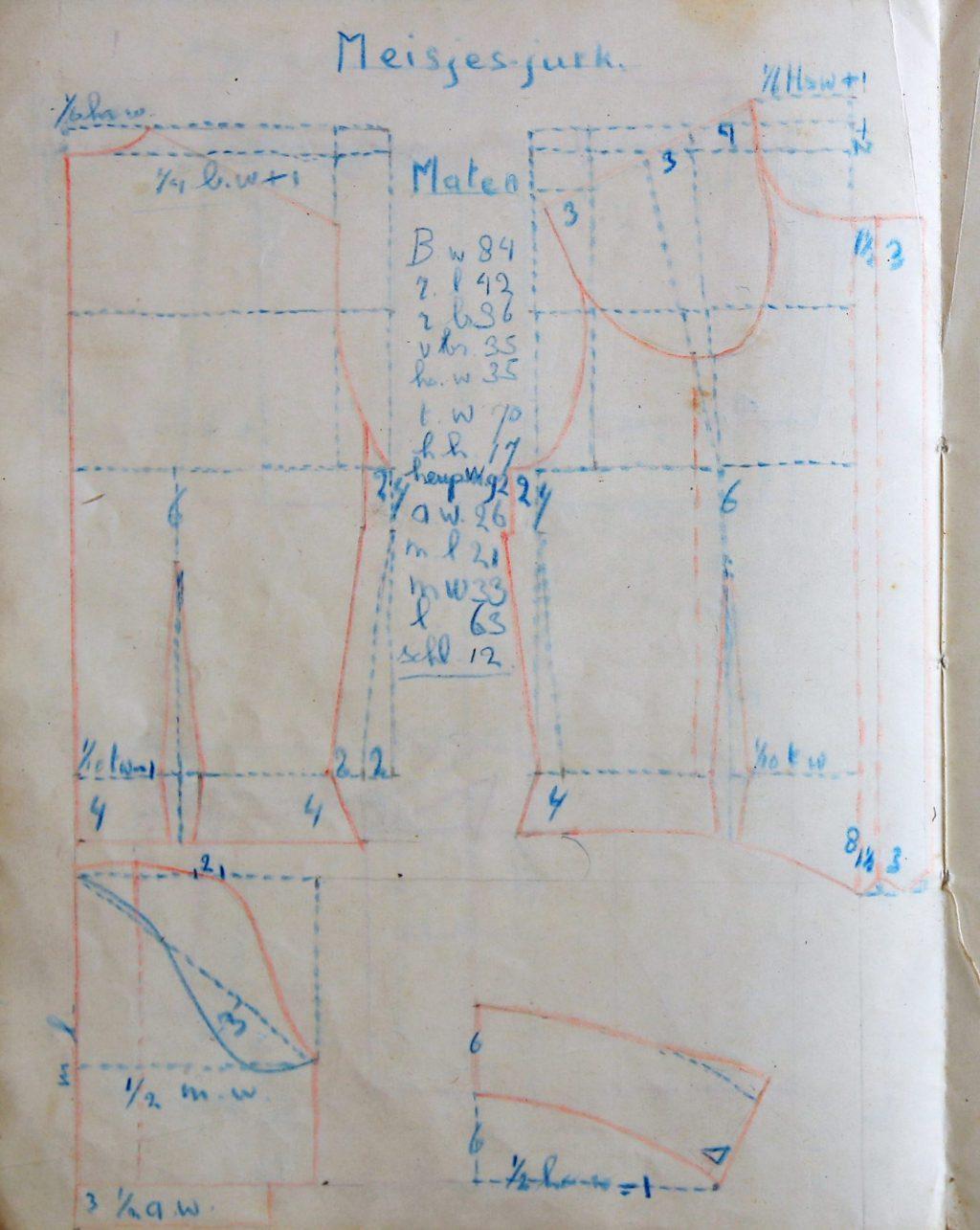 Kledingontwerpen door Plony van Houten voor de R.K. Nijverheids- en Huishoudschool Sint Agnes, 1949-1955 (Archief 598, inv.nr 1566)