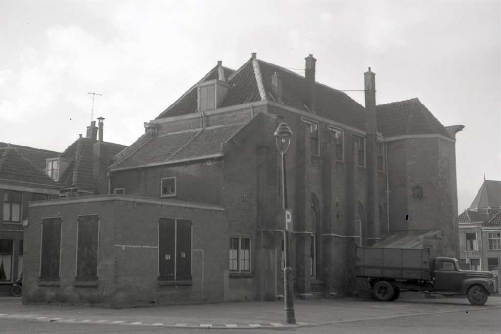In 1958 worden de restanten gesloopt van het Maria-Magdalenaconvent, van 1557 tot 1654 in gebruik als pesthuis. (TMS 125089; foto Openbare Werken)