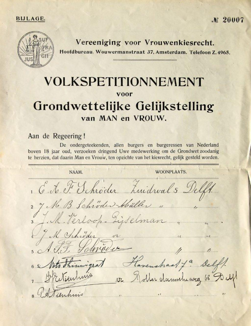 Lijst volkspetitionnement voor grondwettelijke gelijkstelling man vrouw, 1914. (Archief 598 inv.nr 1445)